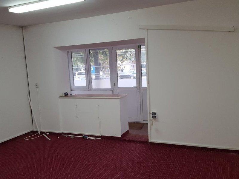 Apartament 3 camere - spatiu comercial