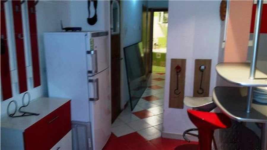 Imagine 4 Apartament 3 camere Dristor