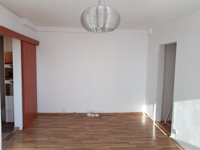 Imagine 1 Apartament 2 camere metrou Dristor