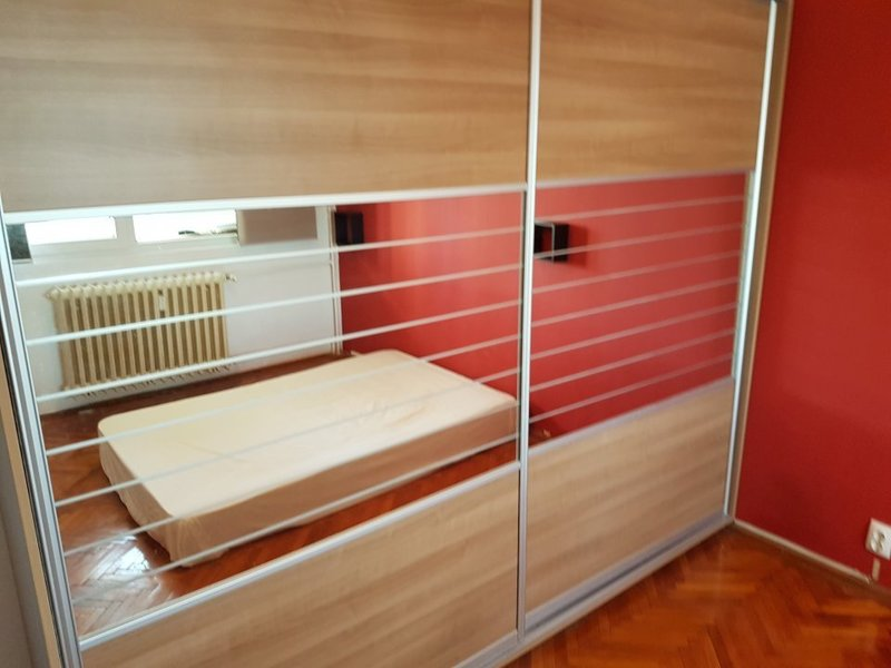 Imagine 3 Apartament 2 camere metrou Dristor
