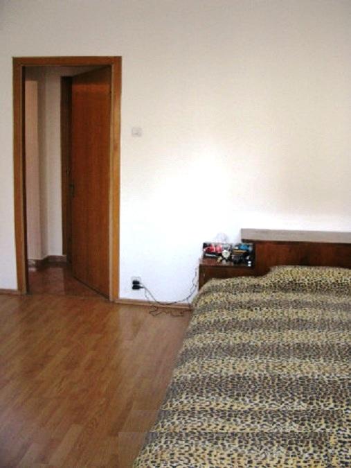 Imagine 3 Apartament 3 camere Pantelimon