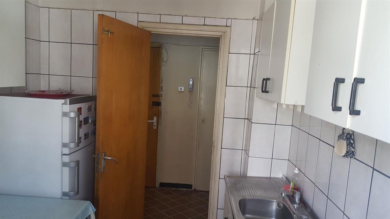 Imagine 6 Apartament 3 camere Titan