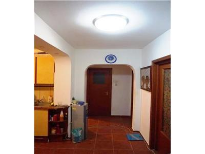 Apartament 3 camere Titan - Potcoava