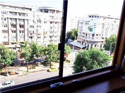 Apartament 2 camere Bdul Decebal stradal