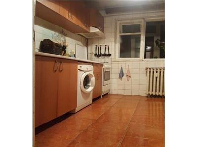 Apartament 3 camere Dristor,Fizicienilor