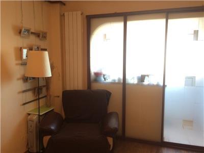 Apartament 2 camere Titan, Piata Salajan