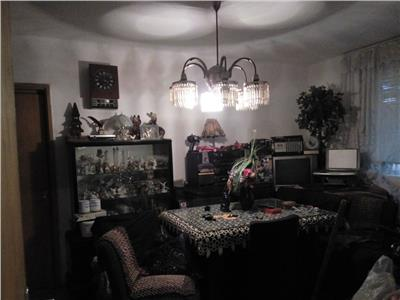 Apartament 3 camere Titan, Potcoava