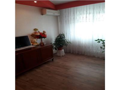 Apartament 3 camere Dristor, Piata Ramnicul Sarat