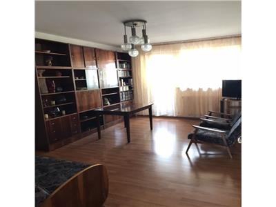 Apartament 3 camere Dristor, Metrou