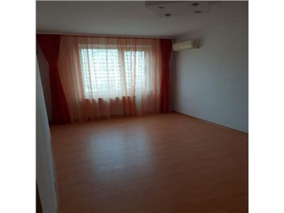 Apartament 3 camere Pantelimon, Piata Delfinului