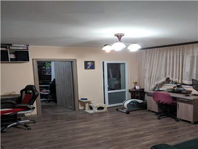 Apartament 2 cam Titan, Parc IOR