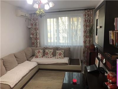 Apartament 3 camere Titan, Minis