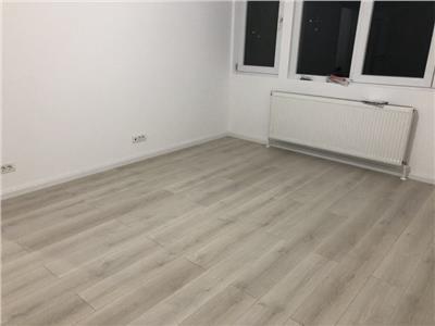 Apartament 3 camere Titan Potcoava