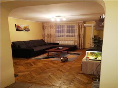 Apartament 4 camere Titan, Piata Minis