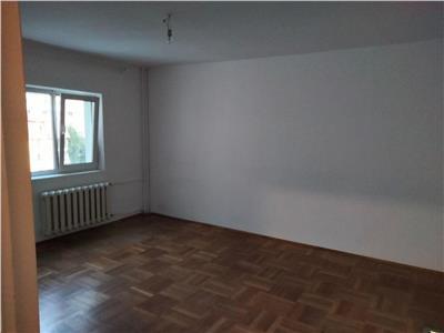 Apartament 4 camere Dristor Metrou