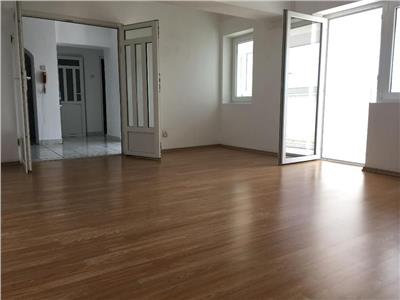 Apartament 3 camere 100 mp, Bdul Unirii