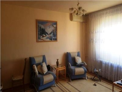 Apartament 3 camere, vis-a-vis de Vitan Mall