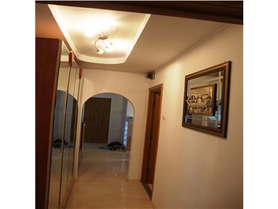 Apartament 4 camere decomandat,  Viilor