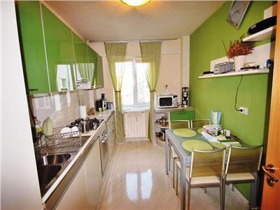 Apartament 3 camere decomandat Bdul Gheorghe Sincai